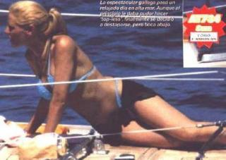 Paula Vázquez en Bikini [448x319] [24.94 kb]