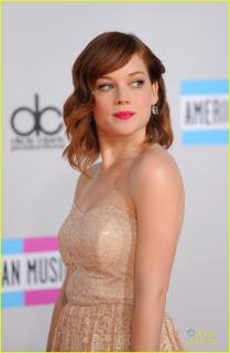 Jane Levy [740x1130] [128.26 kb]