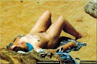 María Pujalte en Topless Desnuda [607x400] [69.06 kb]