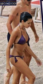 Raquel del Rosario en Bikini [398x768] [85.57 kb]