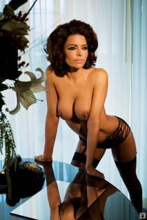 Lisa Rinna in Playboy Nuda [1068x1600] [128.85 kb]