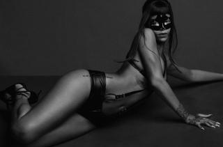Rihanna [700x462] [40.15 kb]