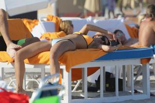 Eiza González en Bikini [1600x1066] [228.37 kb]