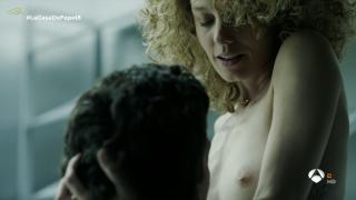 Esther Acebo en La Casa De Papel Desnuda [1600x900] [118.9 kb]