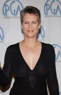 Jamie Lee Curtis [1960x3008] [391.41 kb]