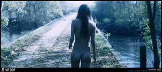 Sarah Butler en Escupire Sobre Tu Tumba Desnuda [1940x863] [266.03 kb]