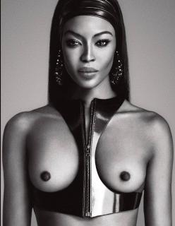 Naomi Campbell en Lui Magazine Desnuda [1238x1592] [333.01 kb]