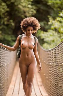 Ivi Pizzott in Playboy Nude [1826x2739] [764.72 kb]