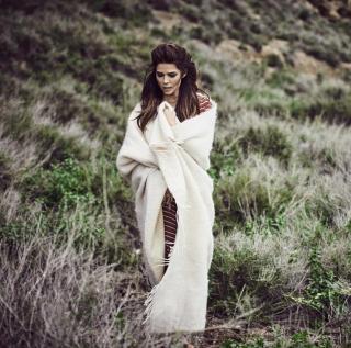 Juana Acosta en Vogue [1416x1405] [431.27 kb]
