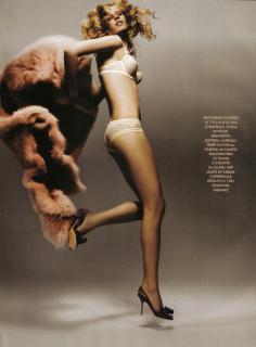Alicja Ruchala en Vanity Fair [1139x1542] [227.32 kb]