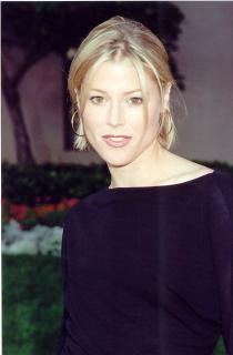 Julie Bowen [578x880] [54.25 kb]