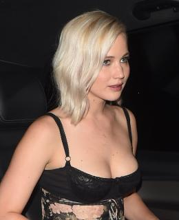 Jennifer Lawrence [852x1045] [121.5 kb]