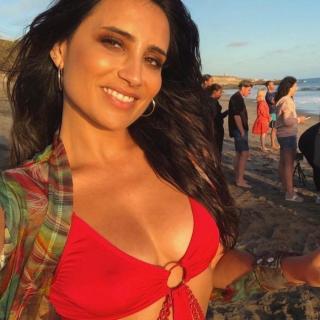 Paula Méndez en Bikini [700x700] [103.07 kb]