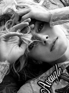Sienna Miller [1118x1489] [460.9 kb]