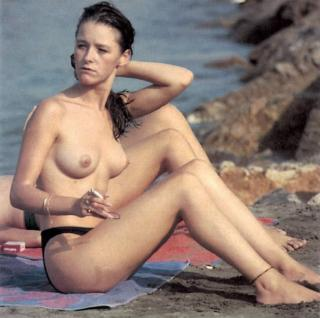 María Esteve en Topless [1024x1018] [102.3 kb]