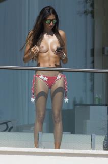 Elisabetta Gregoraci en Topless [1597x2400] [639.2 kb]