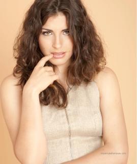 Lorena Mateo en Lanne Magazine [1263x1500] [321.81 kb]