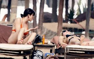 Natalie Imbruglia in Bikini [670x421] [42.96 kb]
