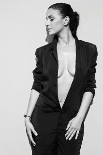 Emmanuelle Chriqui [960x1440] [141.67 kb]
