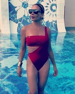 Marta Sánchez in Bikini [547x683] [117.87 kb]