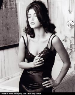 Catherine Zeta Jones [573x726] [48.91 kb]
