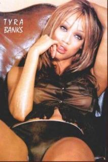 Tyra Banks [372x558] [35.05 kb]