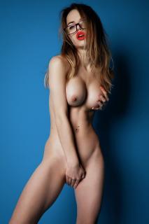 Alexandra Smelova [1334x2000] [321.95 kb]