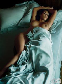 Kim Kardashian en Gq Desnuda [1851x2500] [960.41 kb]