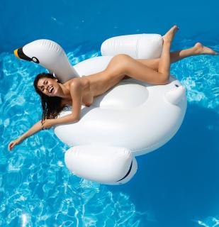 Ines Trocchia en Playboy Desnuda [964x998] [195.83 kb]