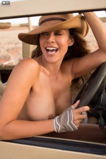 Sonja Kirchberger en Playboy Desnuda [1200x1800] [309.09 kb]