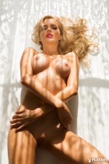 Stephanie Branton en Playboy Desnuda [683x1024] [115.5 kb]