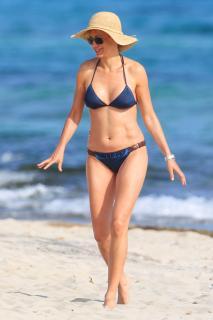 Susanna Griso en Bikini [2835x4252] [1058.02 kb]