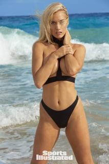 Paige Spiranac en Si Swimsuit 2018 [1280x1920] [354.41 kb]
