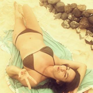 Irene Junquera en Bikini [700x700] [96.05 kb]