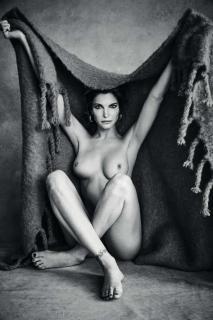 Stephanie Seymour Desnuda [720x1080] [133.43 kb]