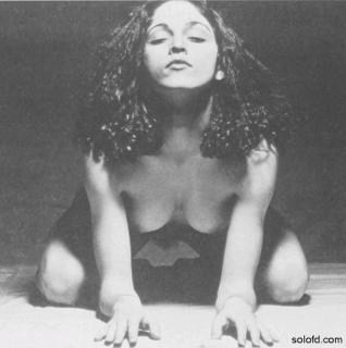 Madonna Nude [598x600] [41.09 kb]