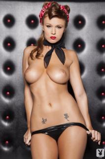 Leanna Decker en Playboy Desnuda [720x1080] [87.03 kb]