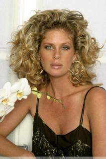 Rachel Hunter [683x1024] [90.42 kb]
