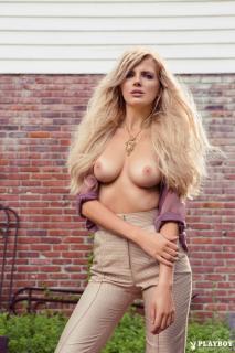 Stephanie Branton en Playboy Desnuda [683x1024] [158.47 kb]