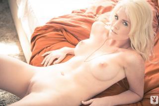 Carly Lauren en Playboy Desnuda [1920x1280] [275.37 kb]
