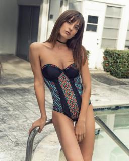 Alicia Medina [740x924] [141.06 kb]