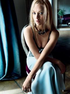 Amanda Seyfried en Vogue [740x985] [143.39 kb]