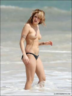 Peaches Geldof en Topless [459x611] [28.21 kb]