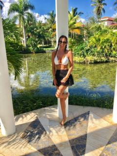 Lara Dibildos en Bikini [900x1200] [425.64 kb]
