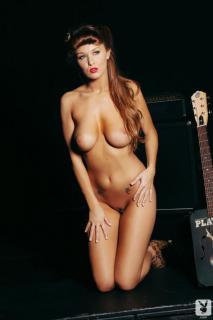 Leanna Decker en Playboy Desnuda [720x1080] [54.53 kb]
