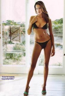 Lorraine Van Wyk [548x800] [50.94 kb]
