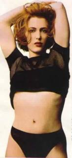Gillian Anderson [300x655] [13.68 kb]