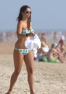 Elena Furiase en Bikini [2470x3543] [439.46 kb]