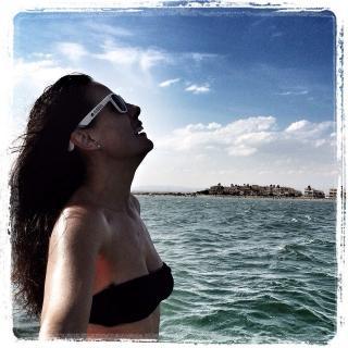 Alicia Senovilla in Bikini [640x640] [121.55 kb]