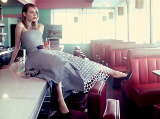 Emma Stone en Vogue [968x725] [153.13 kb]